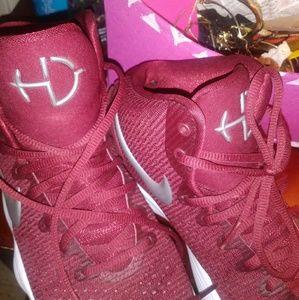 Burgundy Nike hyper dunk basketball shoes